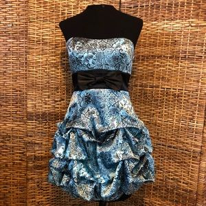 Homecoming prom cocktail dress size 3 teal blue
